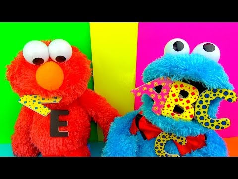 Count n Crunch Cookie Monster Eats ABC Learn your ALPHABET  Cookie Monster & Elmo SuperFunReviews
