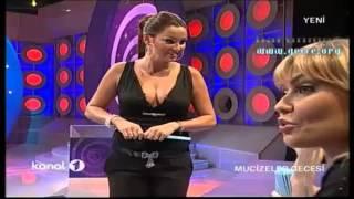 Pınar Altuğ Göğüs Show 1