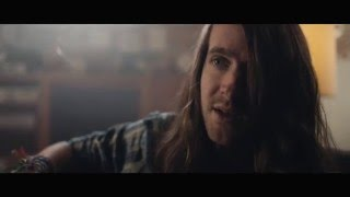 Mayday Parade - Letting Go (Official Music Video)
