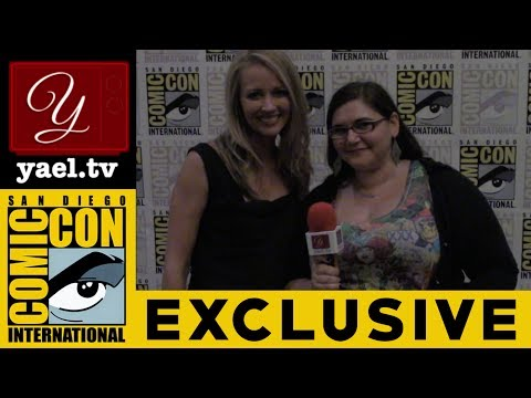 Amy Acker  The Gifted FOX  San Diego Comic Con 2017  yael.tv