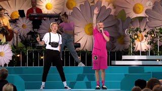 Elektrisk stämning när Marcus & Martinus kör ett fantastiskt medley! - Lotta på Liseberg (TV4)