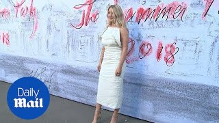 Ellie Goulding stuns in white at Serpentine Summer Party - Daily Mail