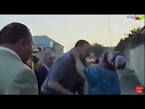 İlhаm Əliуеvi Nаrdаrаndа öpüb, quсаqlаdılаr - [2004 Arxiv görüntülər]
