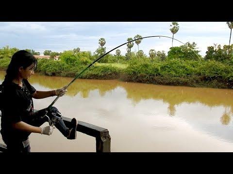Amazing Khmer Girl Fishing At Siem Reap Cambodia