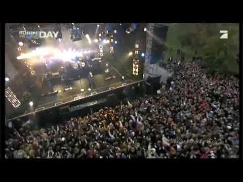 Robbie Williams - Bodies (Live in Berlin 2009)