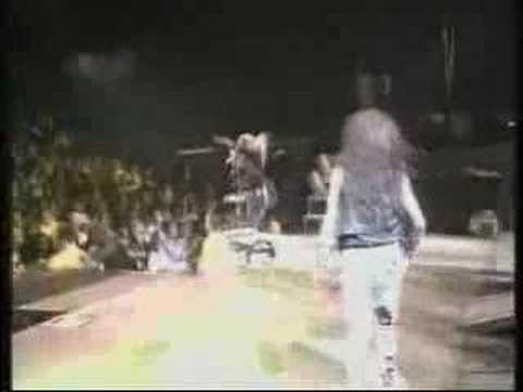 Poison - Look What The Cat Dragged In (Live 01-91)