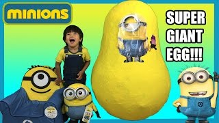 GIANT EGG SURPRISE MINION from Despicable Me kids Video Ryan ToysReview(Ryan from Ryan ToyReview open another Giant Egg Surprise! This time, it's a minion!!!!!!! There are lots of fun surprise toys inside!!!! Ryan even have Banana ..., 2015-07-18T12:00:00.000Z)