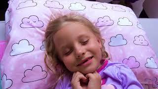 Alicia y papá - dulces y juegos en lugar de la escuela