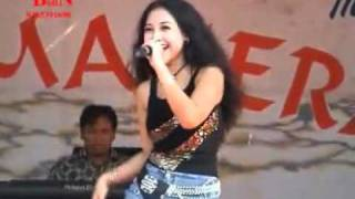 Video dangdut halmahera pelangi by harrytampan download MP3, 3GP, MP4, WEBM, AVI, FLV Desember 2017