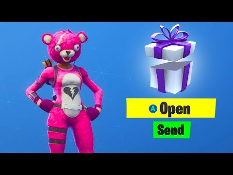 How To GIFT FREE SKINS In Fortnite (Gifting System) *NEW*