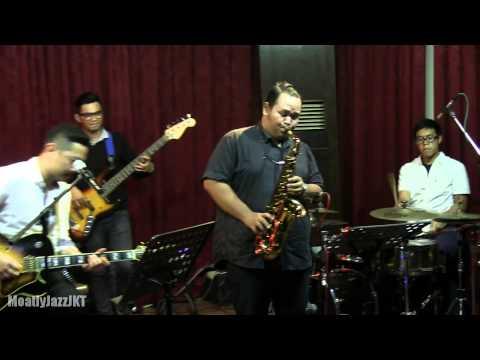 Ari Pramundito - Isn't She Lovely @ Mostly Jazz 11/04/14 [HD]