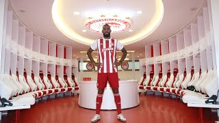 Ο Εμβιλά στα «ερυθρόλευκα»! / M'Vila in the red and white of Olympiacos!