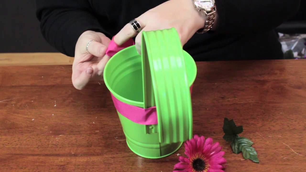 How to decorate flower pots for mother 39 s day various for Flower pot making with waste material