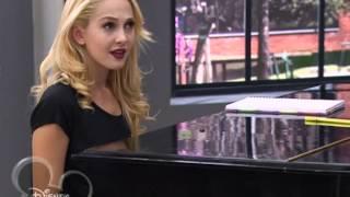 Виолетта и Людмила пробуют новую песню (2 сезон 78 серия)(, 2014-06-04T21:16:29.000Z)