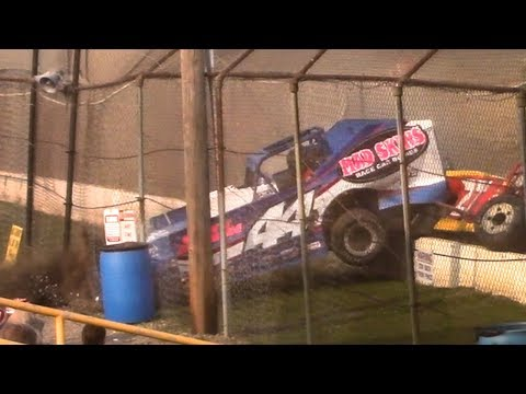 Modified Crash into Flag Stand | Genesee Speedway | 9-17-17
