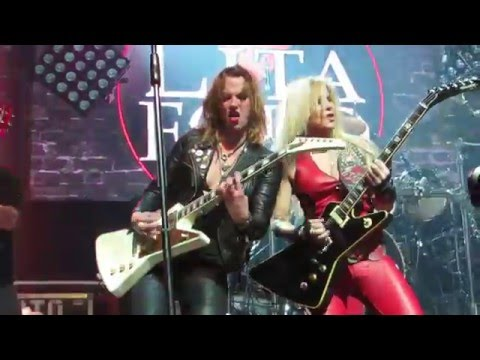 """Lita Ford (with Lzzy Hale, and Dorothy) """"Cherry Bomb"""" Live @ Webster Hall"""