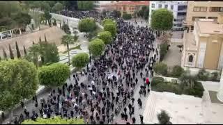 Binlerce Kıbrıslı Rum bu kez polis şiddetine karşı yürüdü, ile ilgili görsel sonucu