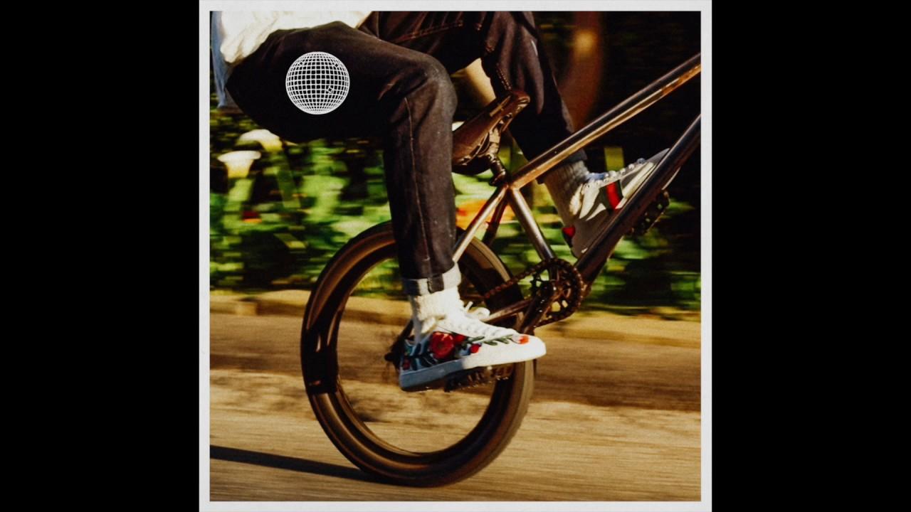 Frank Ocean - Biking (Solo)