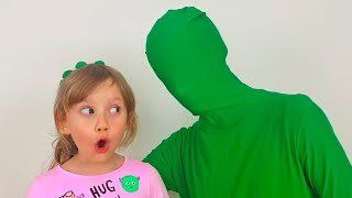 Alena and Pasha play with invisible man
