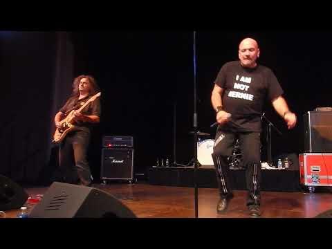 "LGG "" Les Grandes Gueules "" Tribute Trust /Bosser Huit Heures.Gaillard Rock Tribute Fest 1"