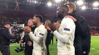 Fansen hyllar ÖFK på Emirates