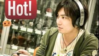 声優の鈴木達央さんとグラビアアイドルの秋山莉奈さんのトークです。 宮...
