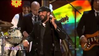 Juan Luis Guerra Cantando  La Guagua  En Vivo! en Latin Grammys 2010HD