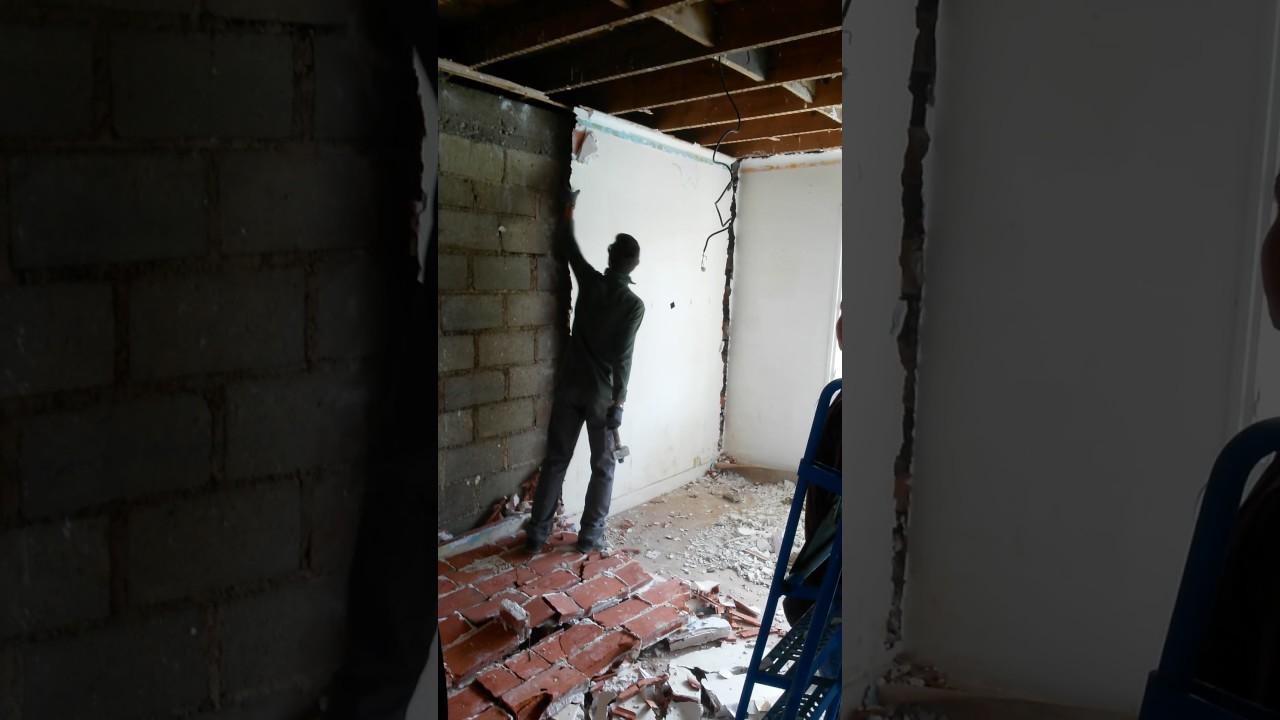 Casser Une Cloison En Brique démolition doublage brique platriere. - youtube