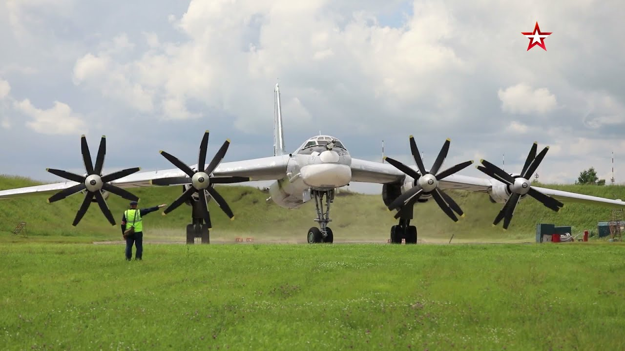 Экипажи Ту-160 и Ту-95МС выполнили пуски крылатых ракет и поразили все наземные цели