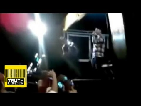 Rapper shot dead on stage in Brazil - Truthloader