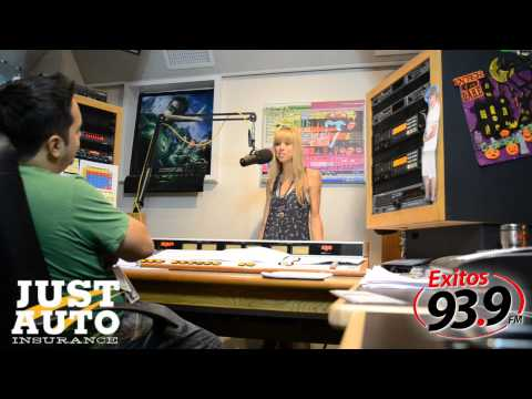 Holly de Exitos 93.9 con Just Auto Insurance