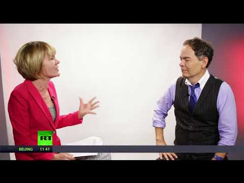 Keiser Report: The bizarre decade (E1117)