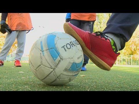 В Пензе родители переживают за судьбу футбольных классов