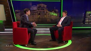 Christian Ehring im Gespräch mit Sigmar Gabriel (Max Gierman) | extra 3 | NDR