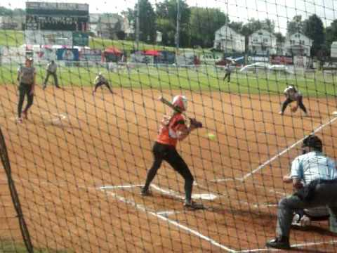 Jennie Finch batting against Monica Abbott