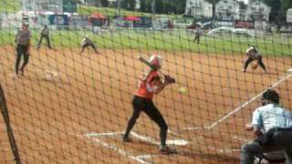Jennie Finch batting against Monica Abbott