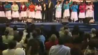Maranatha Choir - God Be Praised