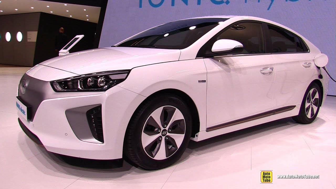 2017 hyundai ioniq electric exterior and interior walkaround debut at 2016 geneva motor show. Black Bedroom Furniture Sets. Home Design Ideas