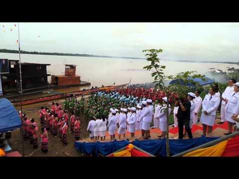 แข่งเรือยาวไทย-ลาว  เทศบาลน้ำก่ำ ปี 56