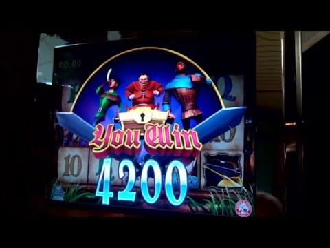 Slot machine bar robin hood