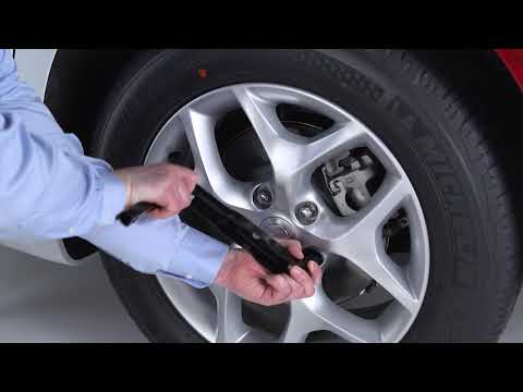 Jacking and Tire Changing - How to change a tire on 2018 Chrysler Pacifica