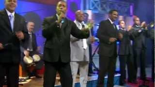 Adalberto Alvarez y Que Tu Quieres Que Te Den En Vivo Salsa Cubana HD.mp3