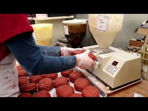 'Paczki madness' at Pulaski bakery