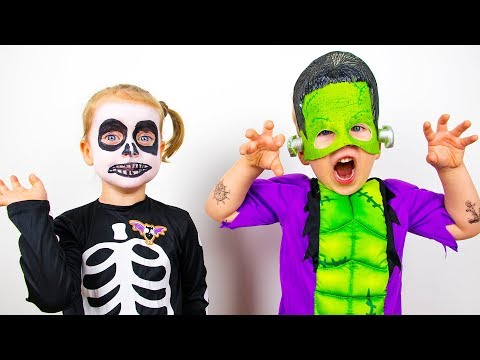 Gaby and Alex Playing with Toys and Dress Up For Halloween