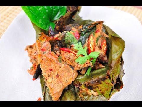 ห่อหมกย่าง (งบเห็ดแครง) Grilled Mushroom Curry in Babana leaves