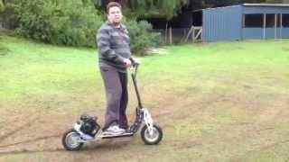 71cc Petrol Scooter by kasapro.com $599 tel 1300 718 025