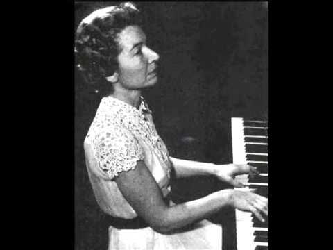 """Hélène Boschi plays Rameau """"Les trois mains"""""""