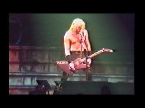 Metallica - Live In Zwolle, Netherlands (1990) [720p50fps Upscale]