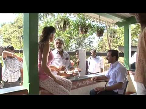 Aarakshan - Making Of 'Acha Lagta Hain'