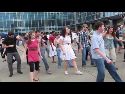 SWING DANCE FLASH MOB